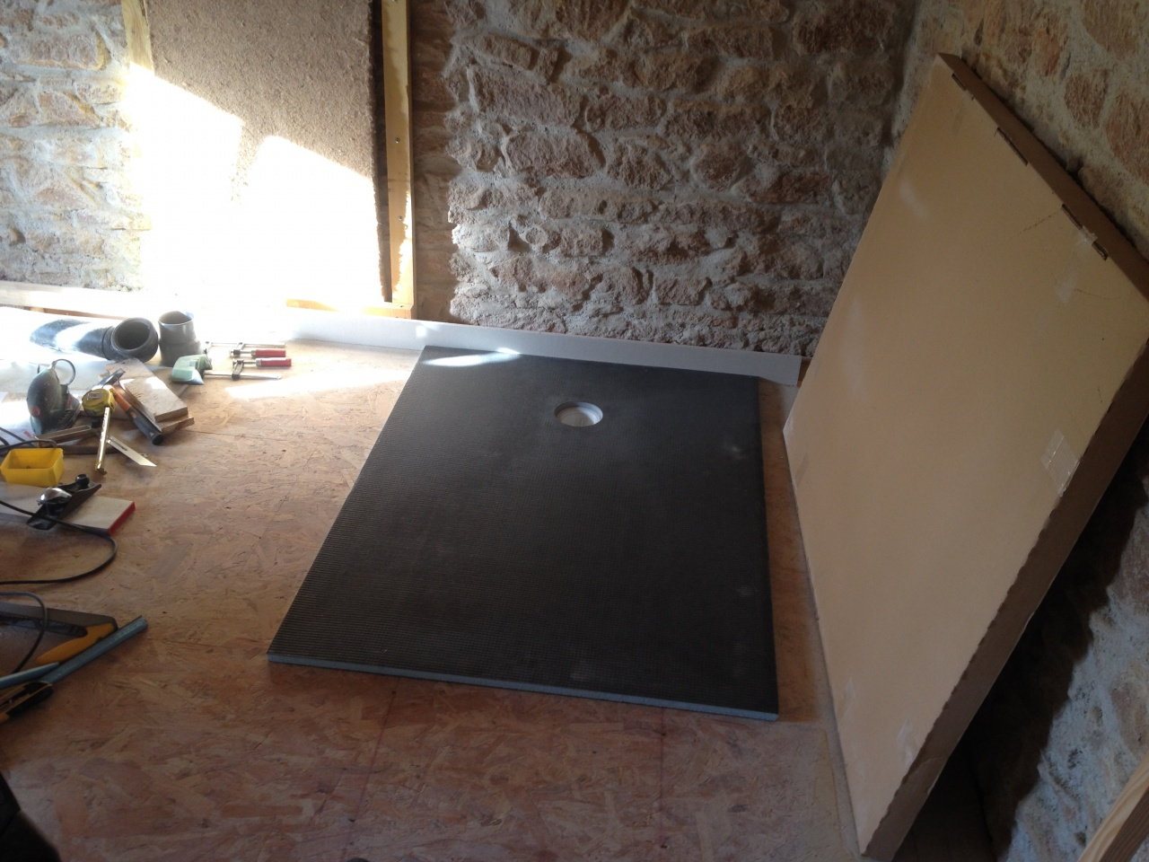 Syst mes de panneaux carreler solutions wedi for Coller carrelage sur osb
